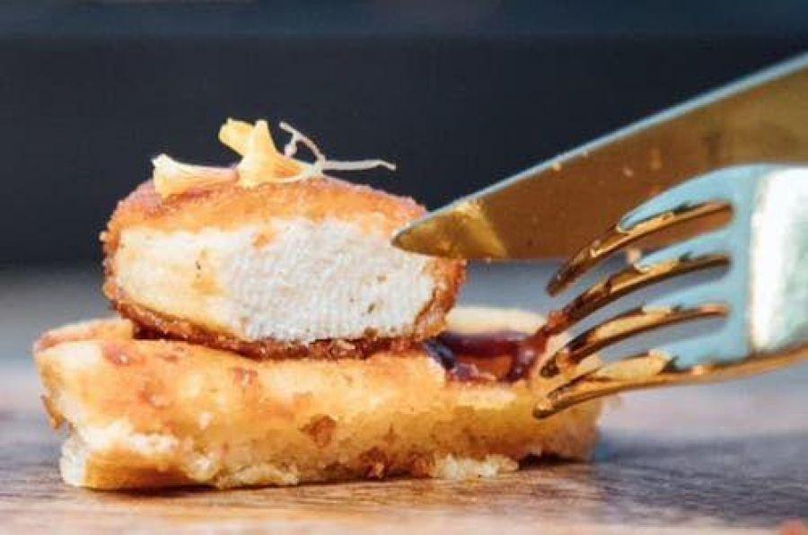 Du poulet artificiel servi dans un restaurant de Singapour